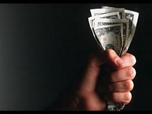hechizo-para-que-te-paguen-una-deuda