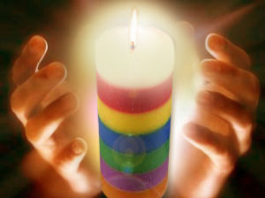 Amarre con la vela de siete colores
