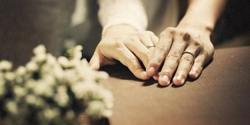Consigue que se enamore de ti con este ritual